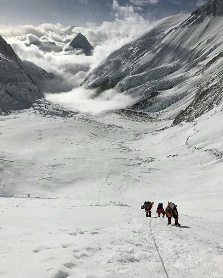 Everest camp 2 to camp 3