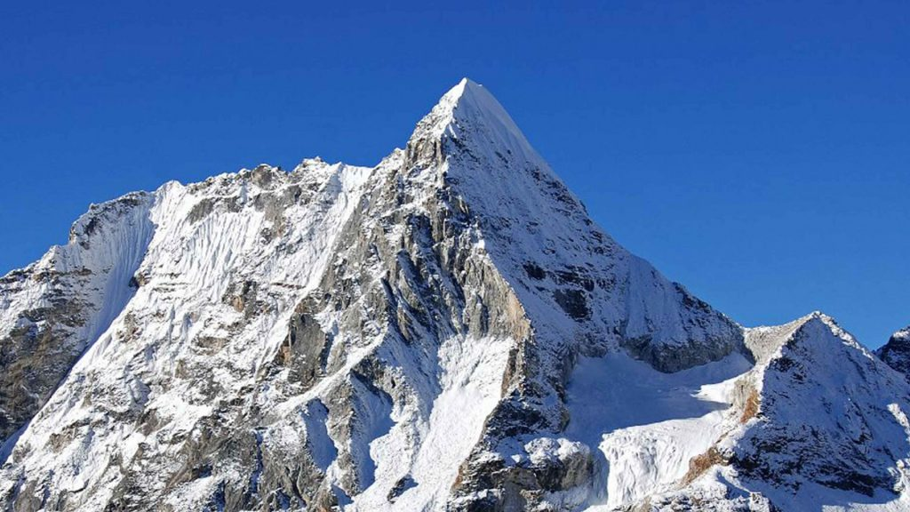 Baruntse peak climbing 2