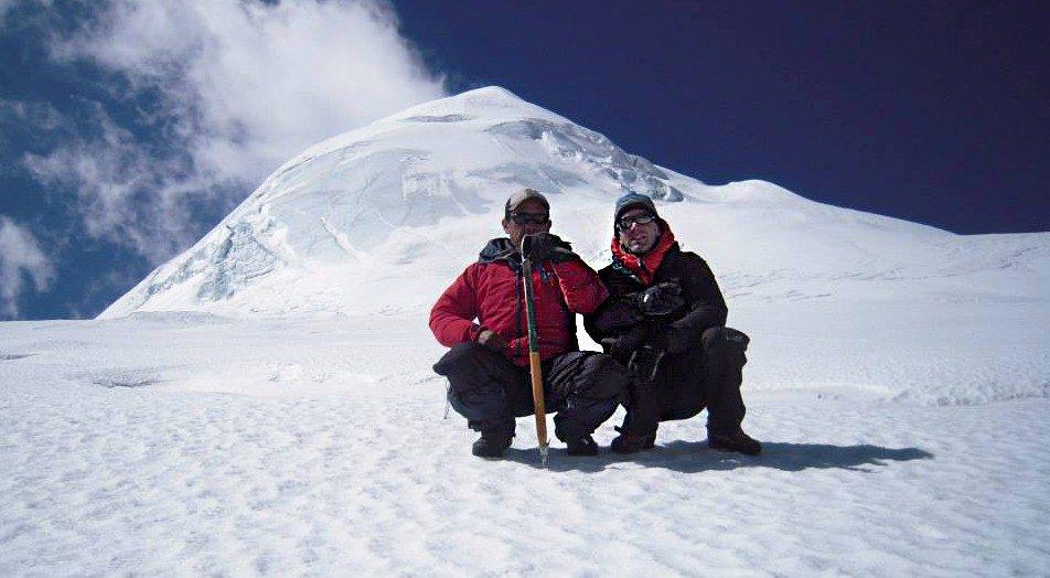 Lobuche east peak climbing 2