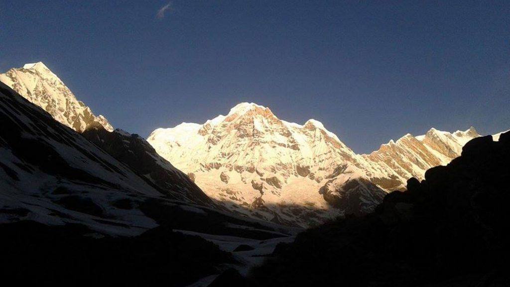 Mount annapurna base camp helicopter tour 3