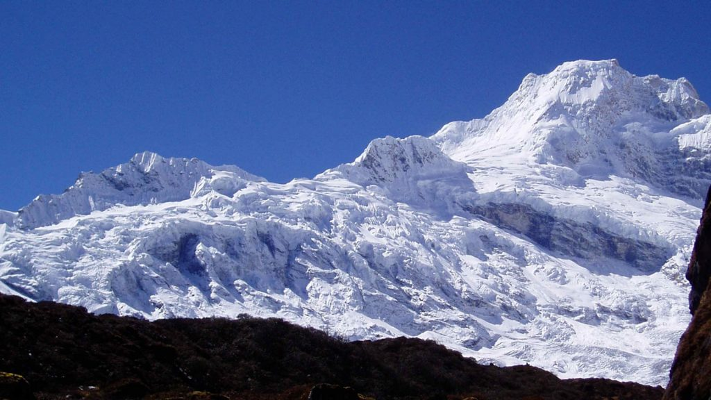 Mount manaslu helicopter tour 1