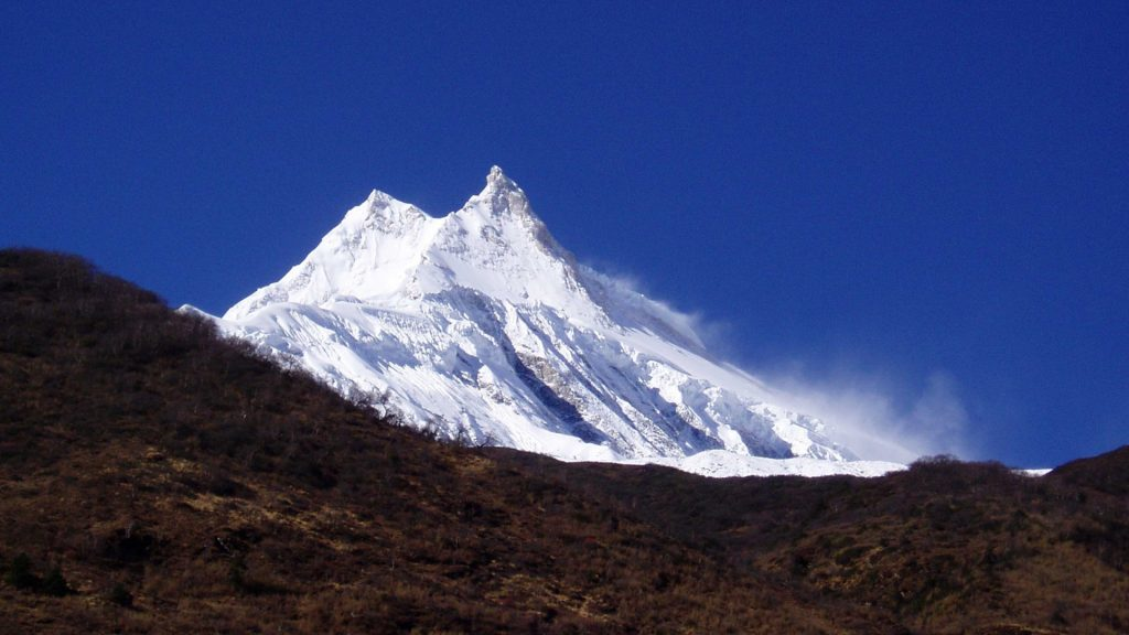 Mount manaslu helicopter tour 3