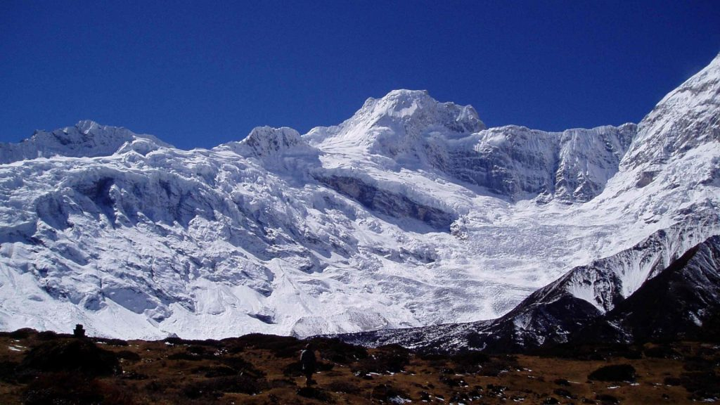 Mount manaslu helicopter tour 5