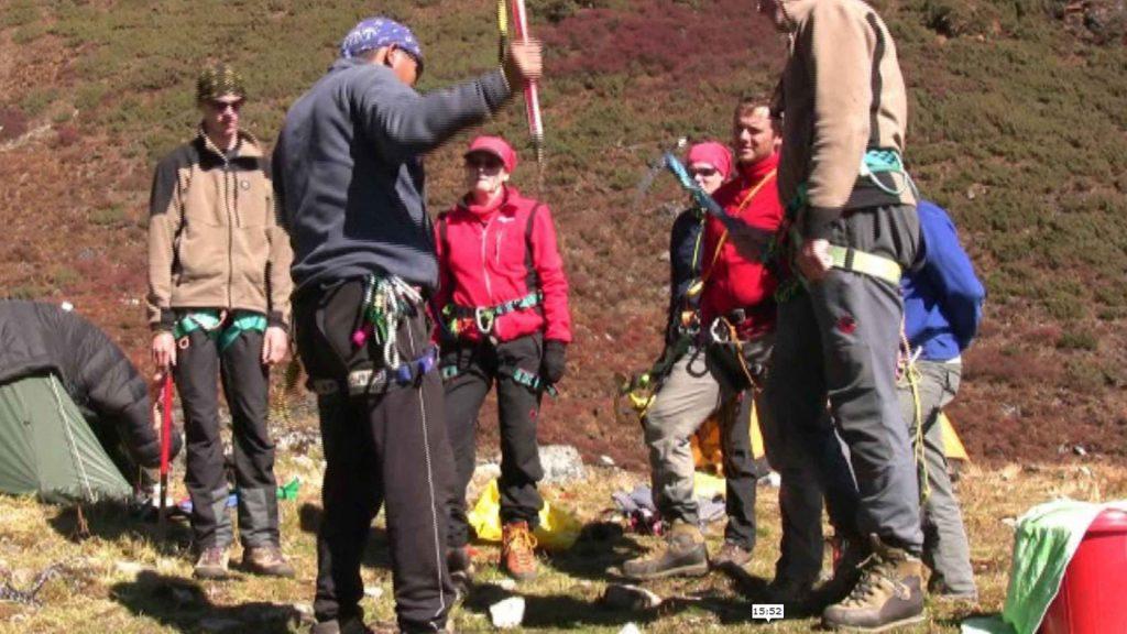 Naya kanga peak climbing 14