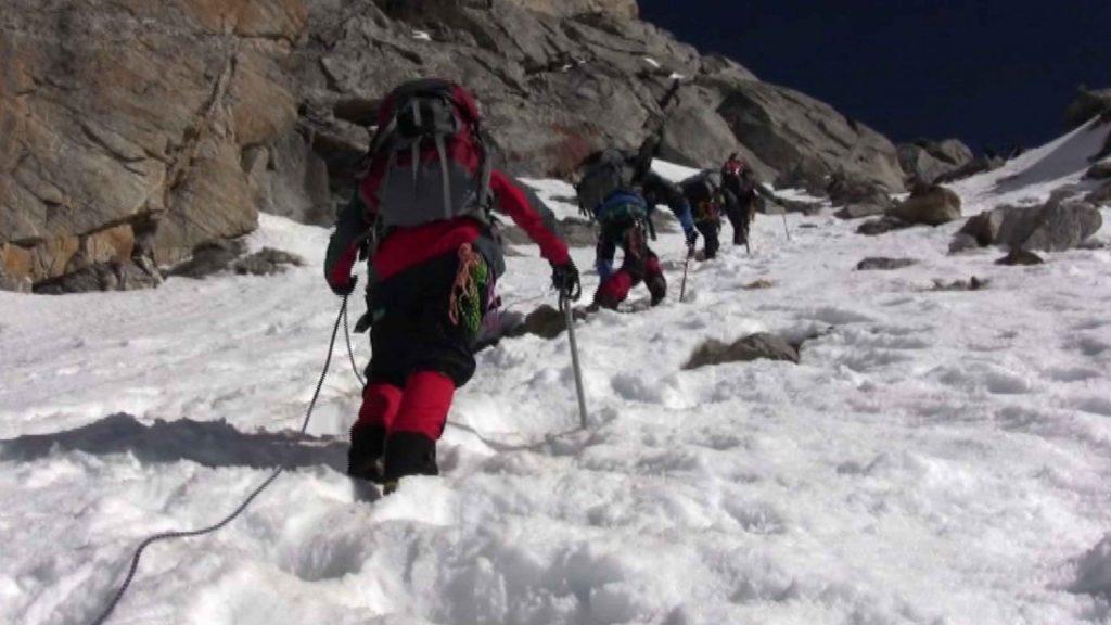 Naya kanga peak climbing 4