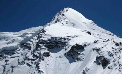Pisang peak climbing 1