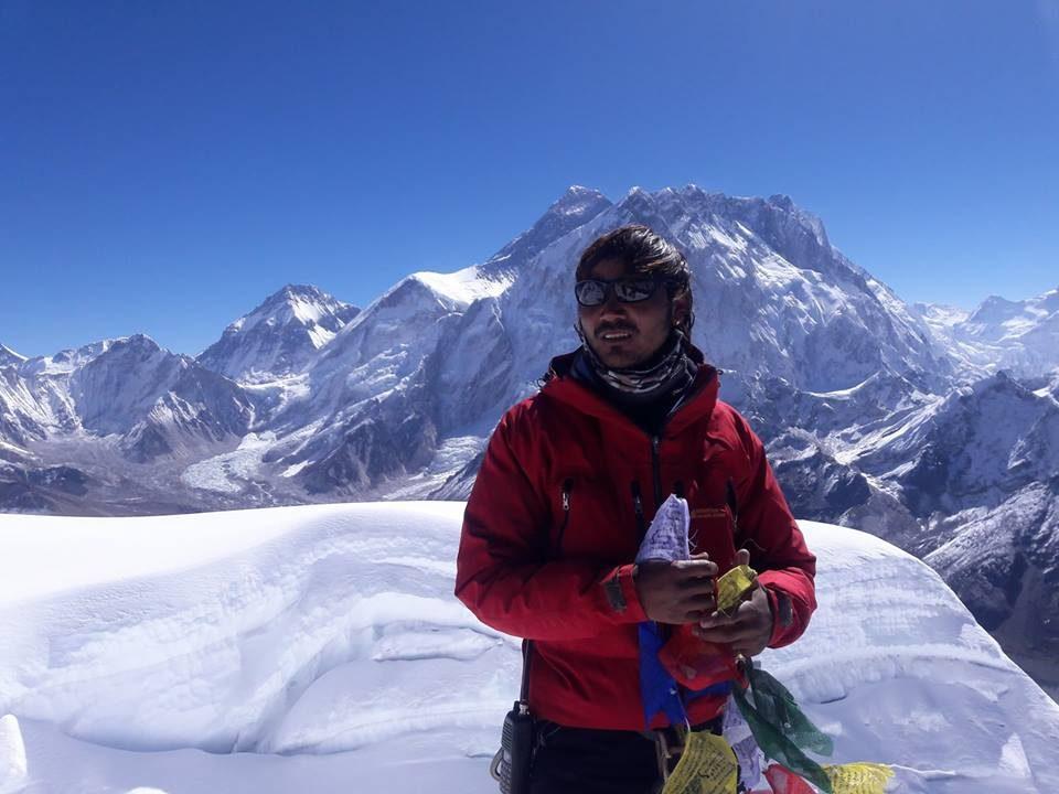 Lobuche west peak 001