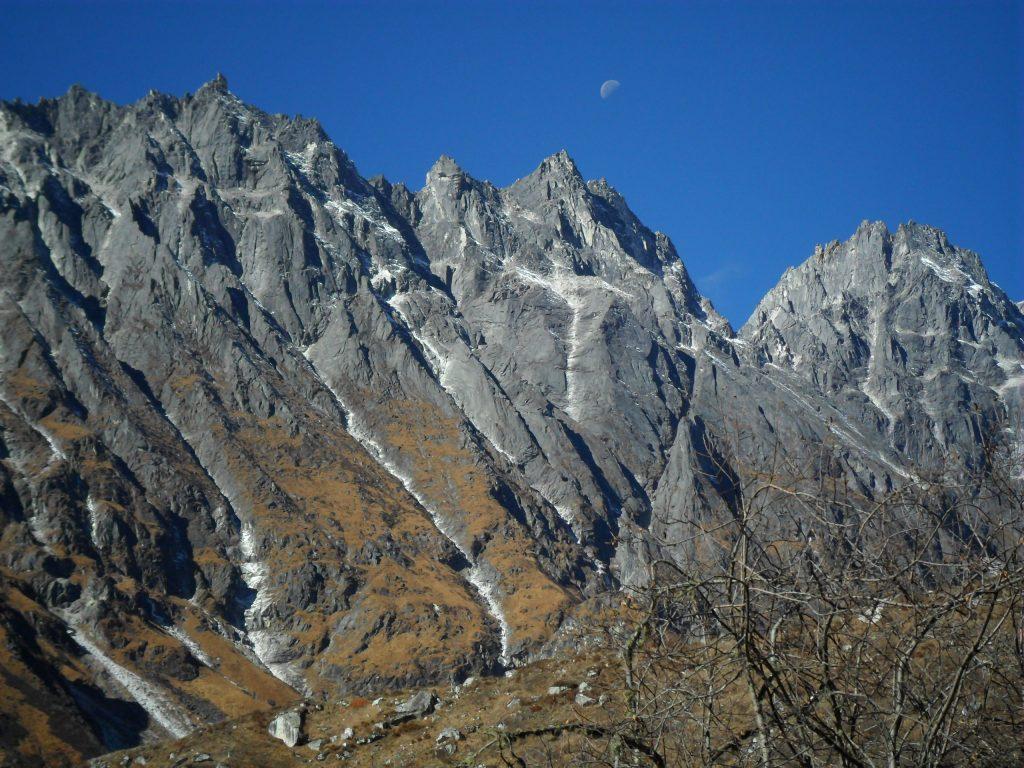 Larke peak (152)