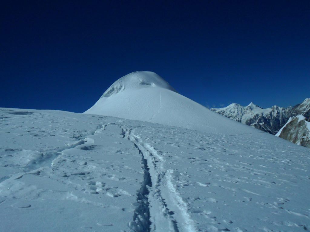 Larke peak (198)