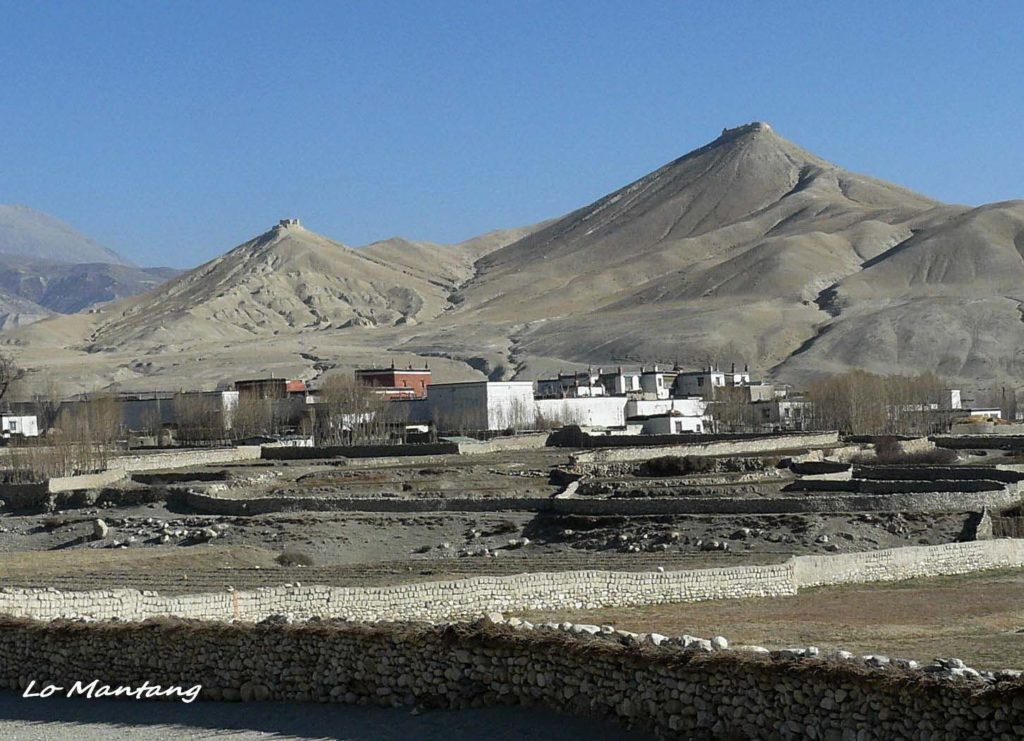 Upper mustang trek in helicopter fly out (10)