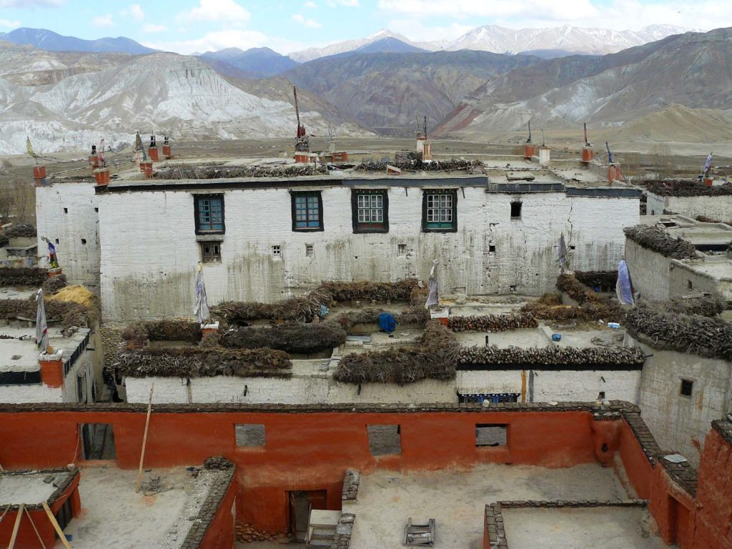 Upper mustang trek in helicopter fly out (17)