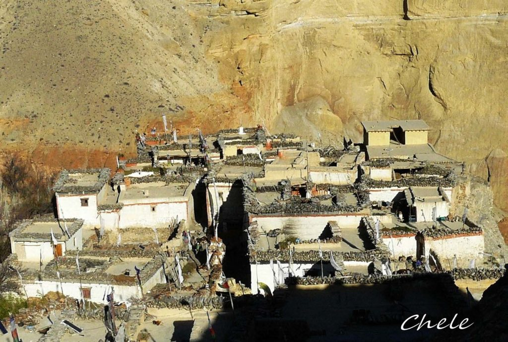 Upper mustang trek in helicopter fly out (4)