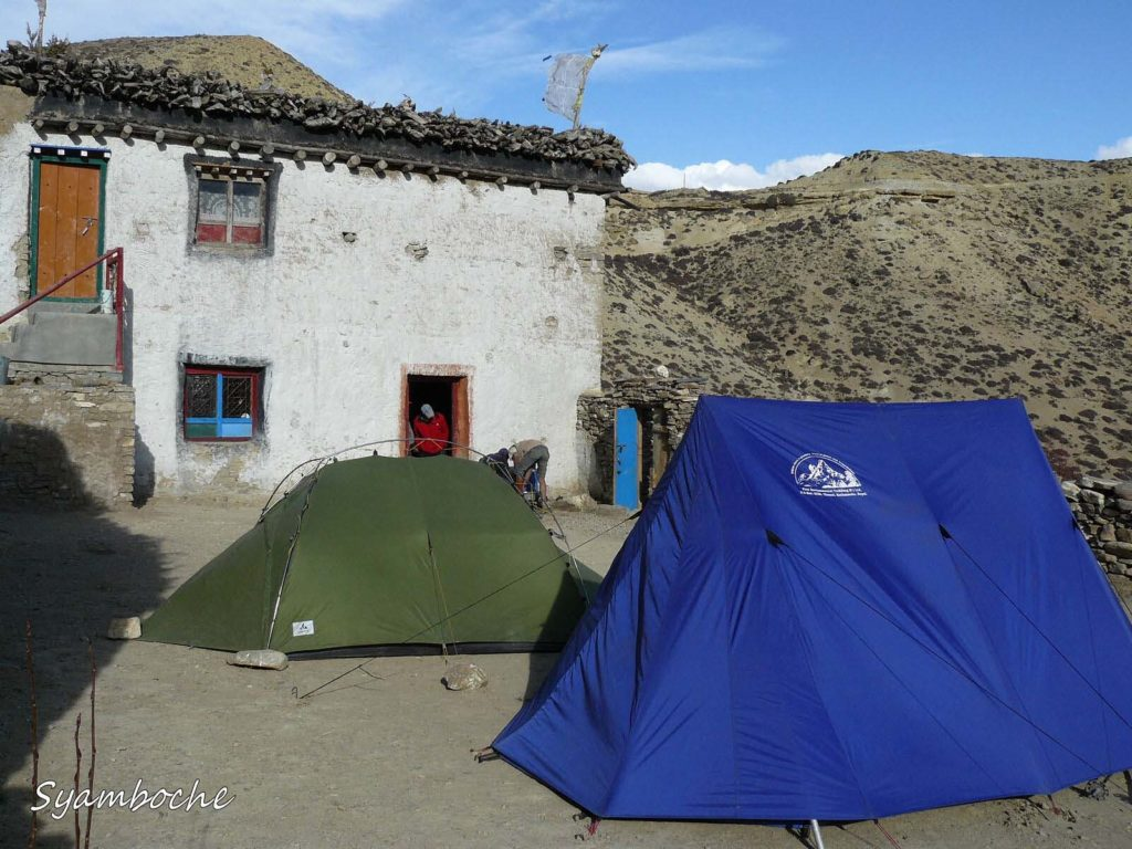 Upper mustang trek in helicopter fly out (5)